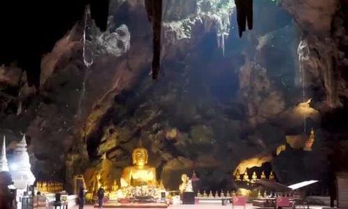 Ngôi chùa độc đáo trong lòng đất nổi tiếng của Thái Lan