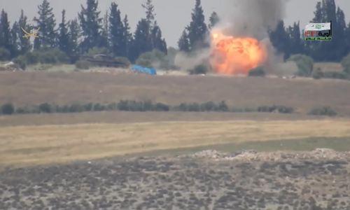 反叛分子多次向两名叙利亚军队开火