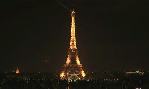 埃菲尔铁塔关灯,以纪念斯里兰卡爆炸案的受害者