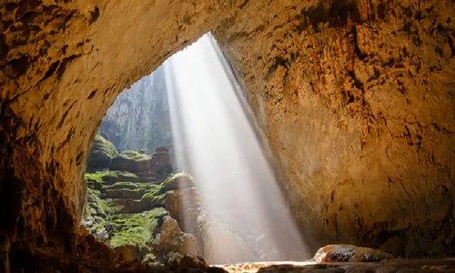 Phát hiện hang ngầm ở Sơn Đoòng được ví như Everest cao thêm 1.000 m - ảnh 1