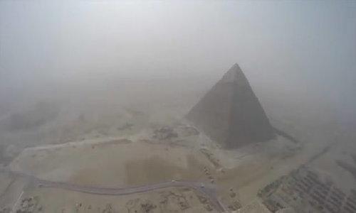 Ai Cập phạt nặng cò mồi, hàng rong chèo kéo khách