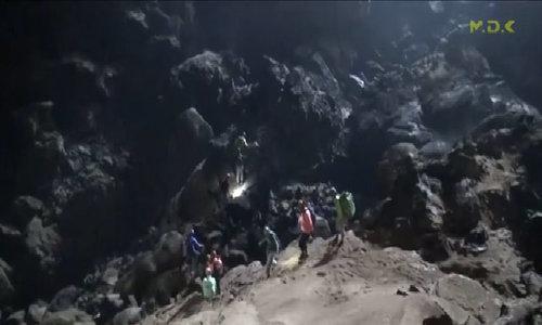 5 ngày thám hiểm hang Sơn Đòong