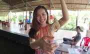 Triệu phú Youtube mê mẩn món ăn Việt