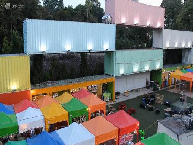 Khu ẩm thực mua sắm bằng container, lều bạt ở trung tâm TP HCM