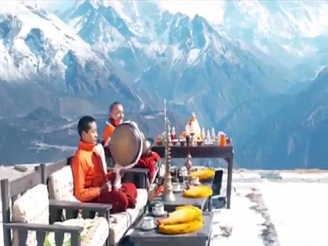 Ăn sáng trên đỉnh Everest