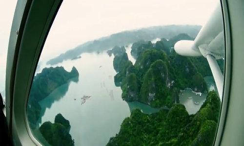 Thủy phi cơ trên vịnh Hạ Long