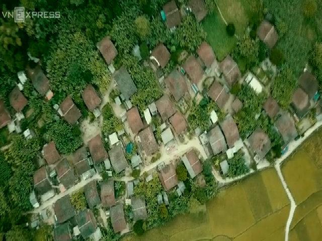 Ngôi làng đẹp như tranh vào mùa lúa chín
