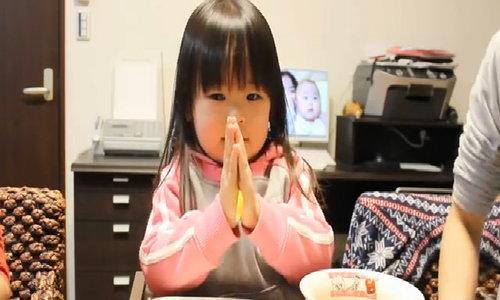 Vì sao người Nhật ăn cơm một mình vẫn nói 'chúc ngon miệng'?