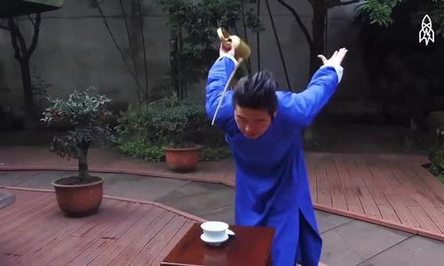Nghệ thuật rót trà như võ kungfu của người Trung Quốc