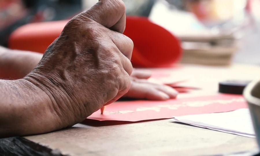 Người viết chữ thuê ngày Tết gần 60 năm ở Sài Gòn