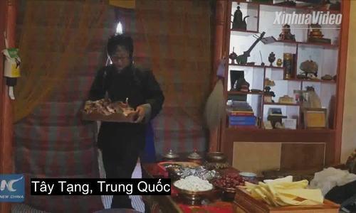 Người Tây Tạng cúng đầu cừu trên bàn thờ Tết Âm lịch