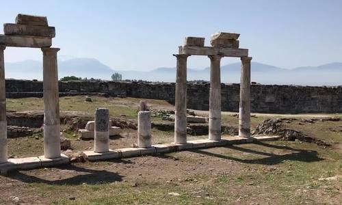 Bí ẩn về 'cổng địa ngục' đến gần là chết của đền cổ ở Thổ Nhĩ Kỳ