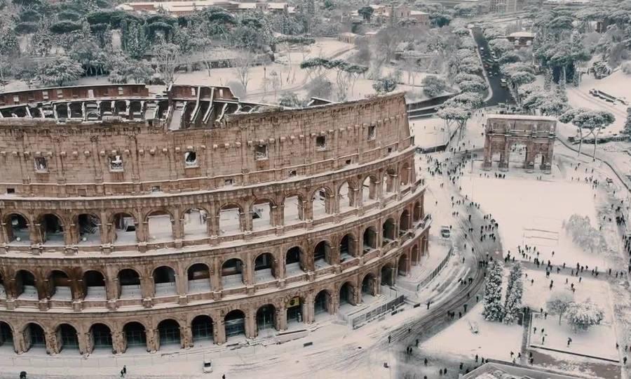 Rome phủ tuyết trắng