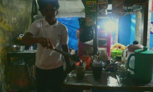Cà phê chứa than củi 'độc nhất vô nhị' ở Indonesia