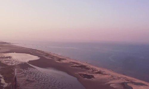 Thị trấn kẹt giữa hai biển ở Ấn Độ