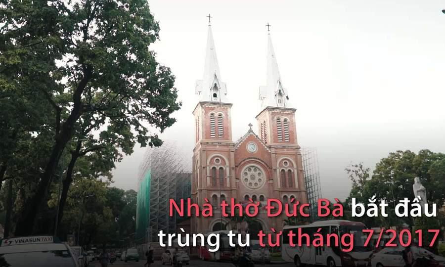 Khách Tây cảm thấy thất vọng khi không được vào trong Nhà thờ Đức Bà