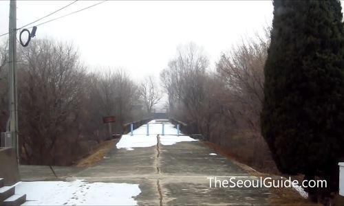 Cây cầu đi qua là không thể trở về ở biên giới Hàn - Triều