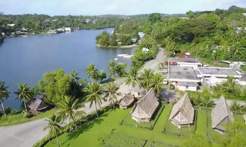 Hòn đảo có những đồng xu dài bằng người