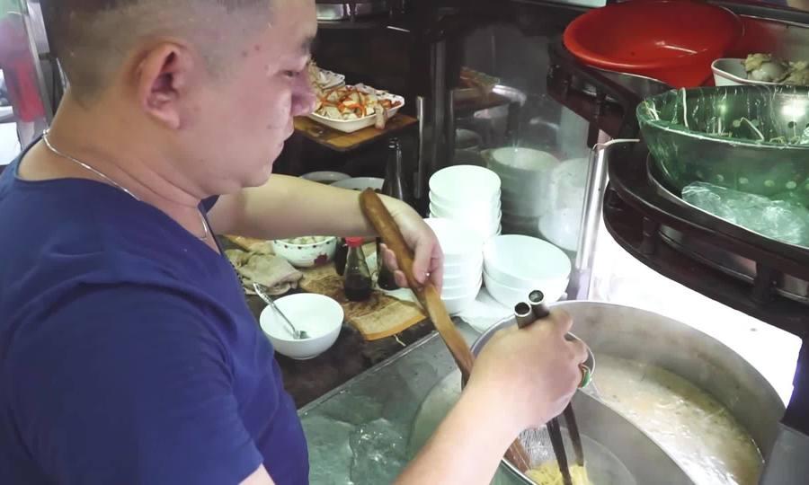 Tiệm mì gốc Hoa 70 năm ở Sài Gòn: từ gánh hàng rong đến quán ăn nức tiếng
