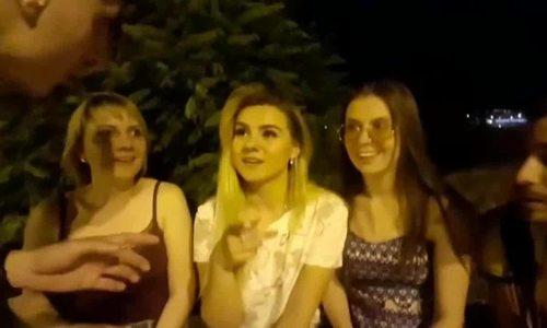 Nạn khách nước ngoài quấy rối phụ nữ Nga tại World Cup