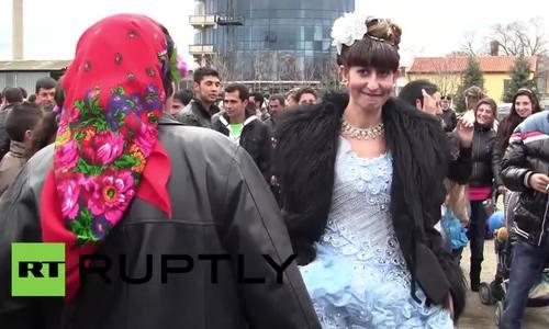 Chợ mua tình yêu ở Bulgaria: khi trinh nữ trở thành hàng hóa