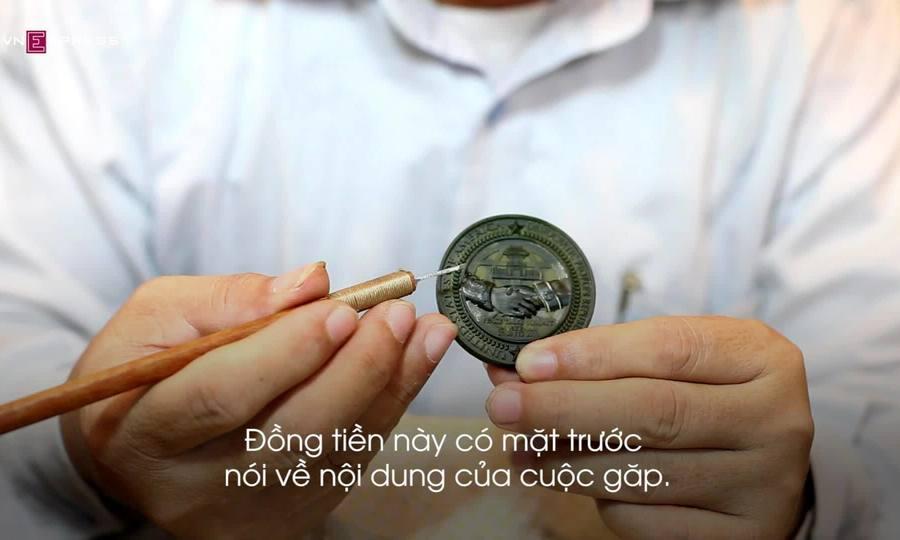 Nghệ nhân Việt đúc đồng bạc kỉ niệm thượng đỉnh Mỹ - Triều