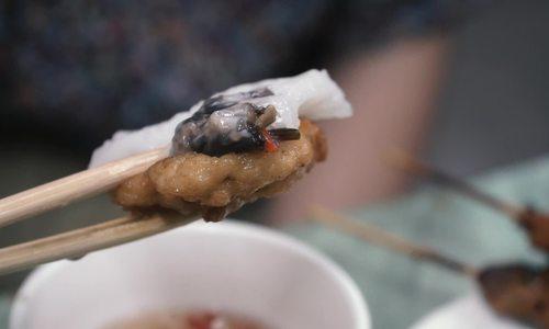 Bánh cuốn chả mực ở Hạ Long