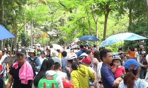 Thảo Cầm Viên Sài Gòn đông nghịt người ngày 30/4
