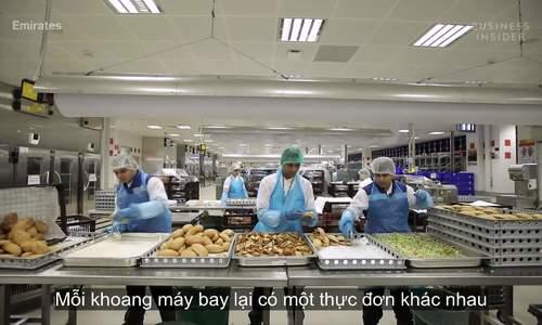 Bên trong bếp hàng không lớn nhất thế giới