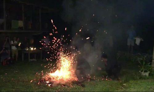 Phong tục nhảy lửa của người Dao Đỏ ở Hà Giang