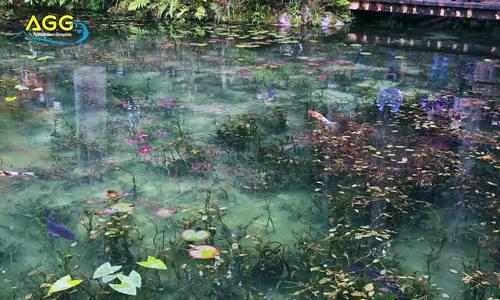 Hồ nước nổi tiếng vì giống hệt tranh vẽ