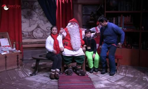 Bố mẹ Việt đưa con đi Lapland gặp ông già Noel