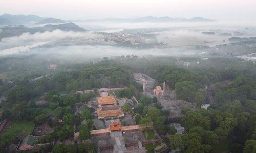 5 lăng vua triều Nguyễn nên ghé thăm - ảnh 21