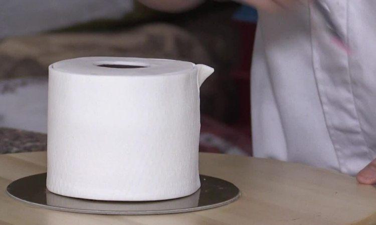 Bánh giấy vệ sinh giá 6 USD