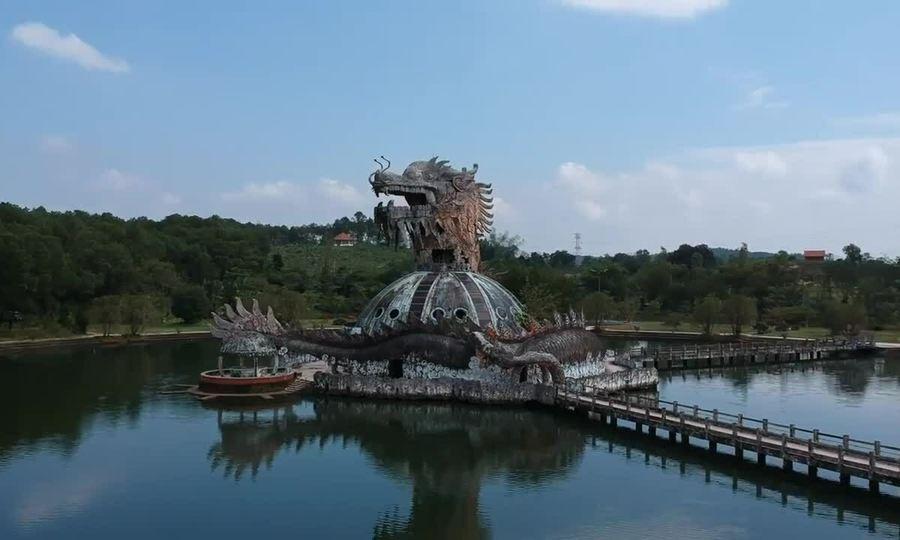 Công viên bỏ hoang ở Huế