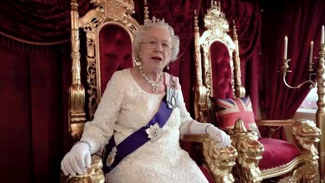 Ngủ trong 'cung điện' như nữ hoàng Anh