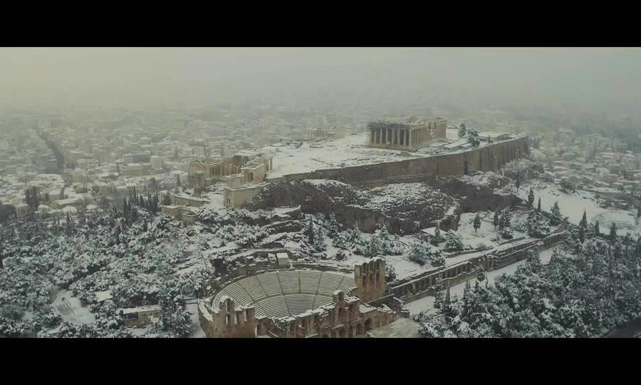 Athens tuyết phủ trắng xóa