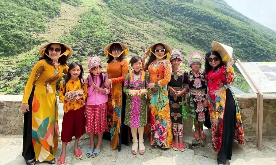 Cung đường sắc màu Hà Giang