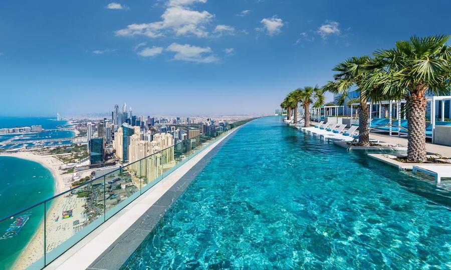 Bể bơi vô cực cao nhất thế giới