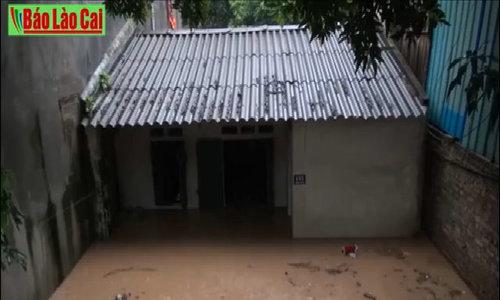 Flash floods batter Lao Cai