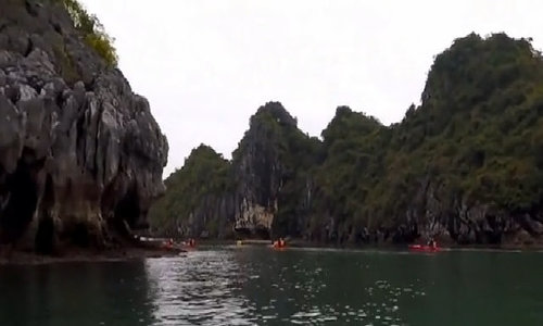 Tourism firms see red as new ban sinks kayaking in Vietnam's Ha Long Bay