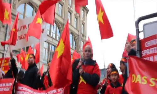 Vietnamese in Germany protest China's militarization of contested waters