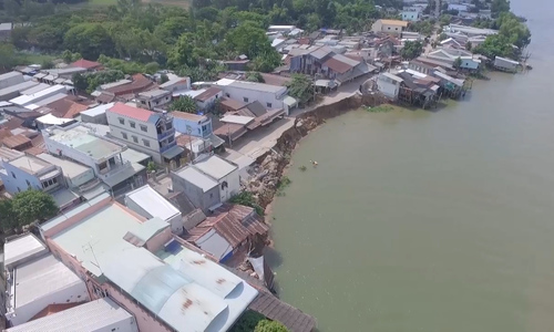 Erosion sinks its teeth into Vietnam's Mekong Delta