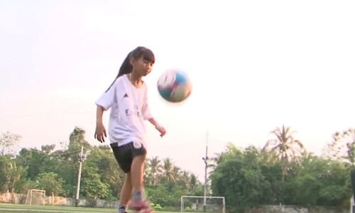 Why this Vietnamese girl is called 'Mekong Messi