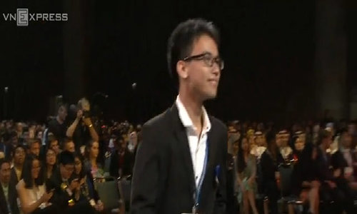 Vietnam student wins prize at US science fair after controversial visa rejections