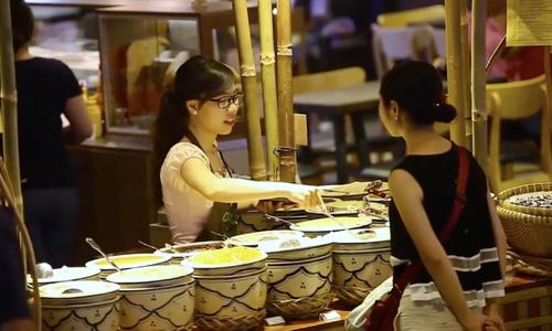 Tour de Saigon's first underground market
