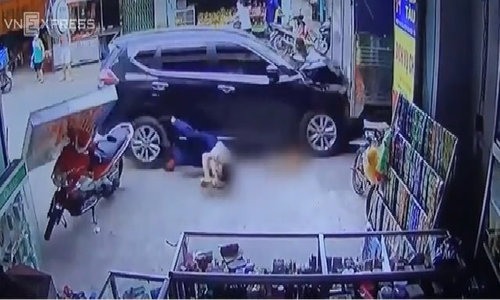 Woman fatally crushed as car makes multiple crashes in Vietnam