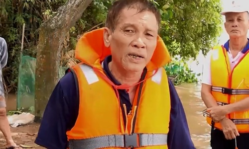 Under-70-year-old lifeguards to the rescue in southern Vietnam