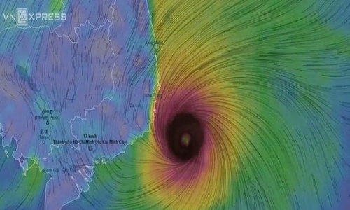 Tropical depression grows into storm, threatens central Vietnam