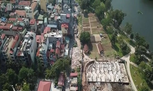 This 2,000 ft road in Hanoi takes forever to build